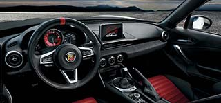 Abarth 124 Spider –manual gearbox and sport leather seats